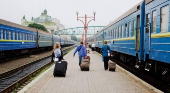 5 додаткових поїздів до Дня Незалежності призначила Укрзалізниця