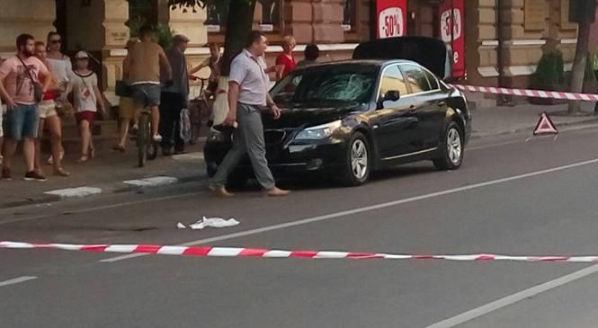 У Івано-Франківську прокурорська BMW збила пішохода