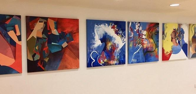 Супермодель з Івано-Франківська показала в Америці свої картини
