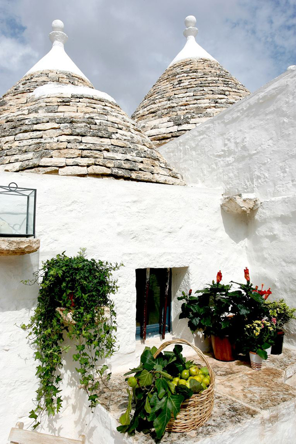https://i0.wp.com/style-files.com/wp-content/uploads/2015/06/trulli1.jpg