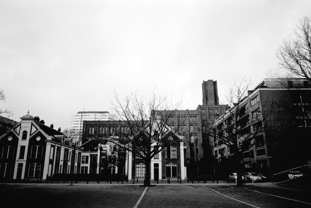Ligero test image: A view from the Vrouwe Justitiaplein, with the Sterrenhof and the Inktpot in the background