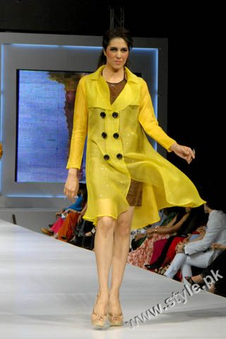 Fashion Designer Mohsin Ali's Dresses For Women in PFDC Sunsilk Fashion Week 2011 Lahore (2)