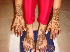 mehndi design for hands and foot