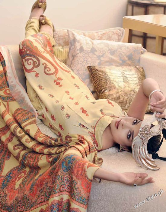 Amna Haq Photo Shoot For Gul Ahmed Winter Collection 2011-12 (7)