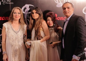 Shehla Chatoor's Latest Collection in Lux Style Awards (4)