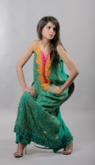 winter collection for girls by Tena durrani (20)