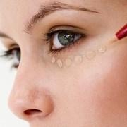 Concealer-Tips-To-Hide-Your-Skin-Blemishes-1