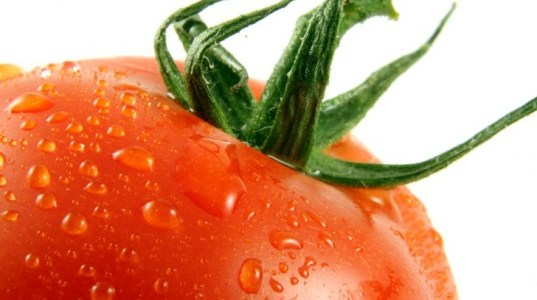 Homemade-Skin-Care-Remedies-Using-Tomatoes