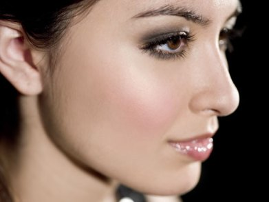 Makeup Tips For A Family Gathering - Winter 2012 (1)