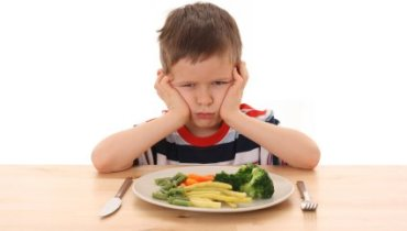 Tips To Help Parents To Make Their Kids Eat Fruits Or Vegetables