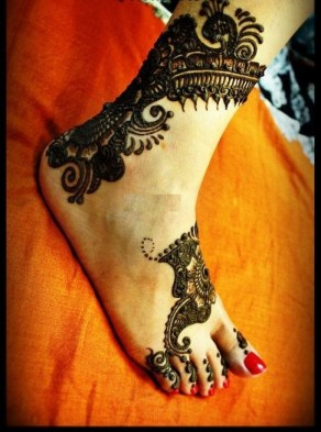 Latest Bridal Mehndi Designs 2012 _06