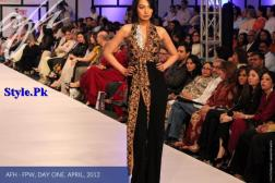 Ayesha F Hashwani At Fashion Pakistan Week 2012, Day 1-003