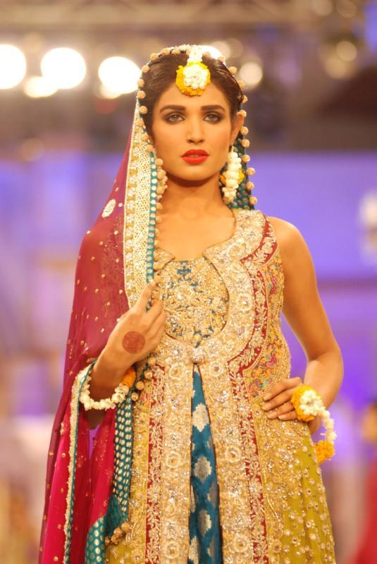 https://style.pk/elan-showcased-at-pfdc-sunsilk-fashion-week-2012-day-04