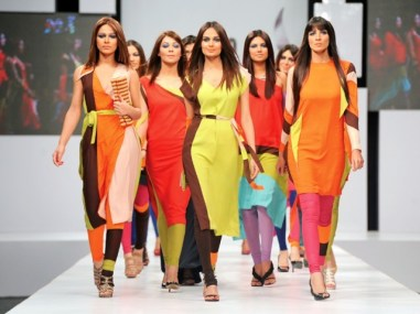 Sunsilk PFDC Fashion Week 2012, Day 1 (27)