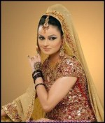 Javeria Abbasi Pictures and Biography (8)