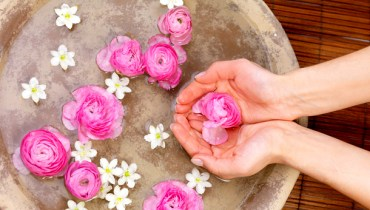 Benefits of rosewater for hair
