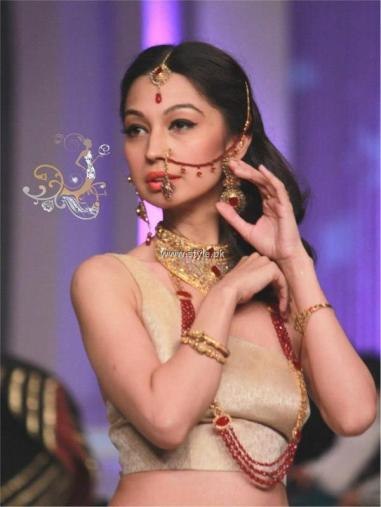 Nadia Chottani Jewellery Collection at BCW 2013 014