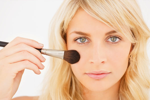 tips on how to apply foundation 600 x 399