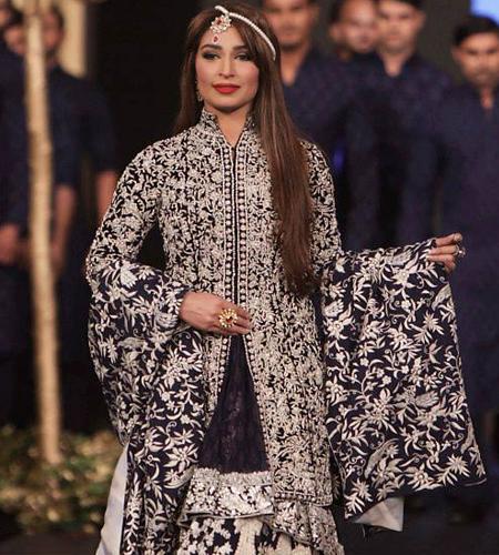 Reema Khan Walking On Ramp