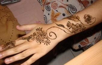 Simple Mehndi Designs For Girls 009