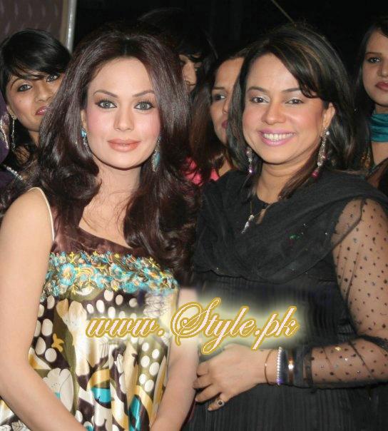 Famous Celebrity Sisters of Pakistan Showbiz pic 03