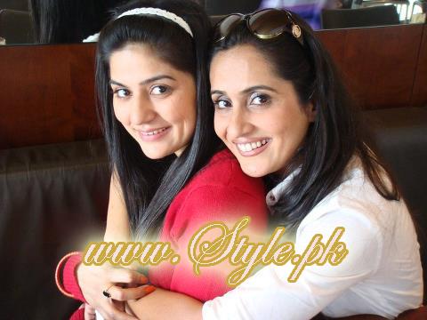 Famous Celebrity Sisters of Pakistan Showbiz pic 04