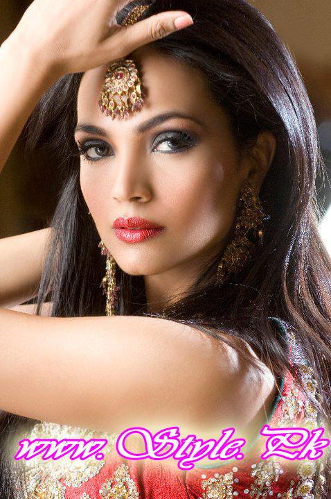 Well Educated Pakistani Celebrity-Amina Sheikh copy