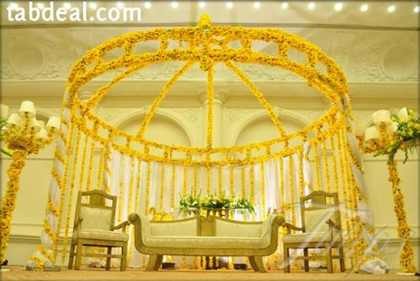 Mehndi And Barat Stage Decoration Ideas 003