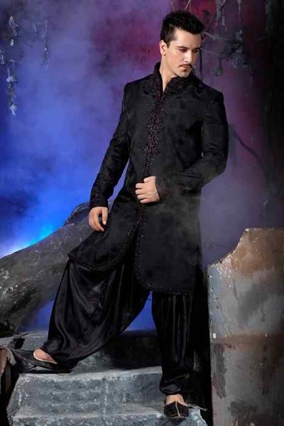 Fashion Of Black Sherwani 2014 For Pakistani Groom 009