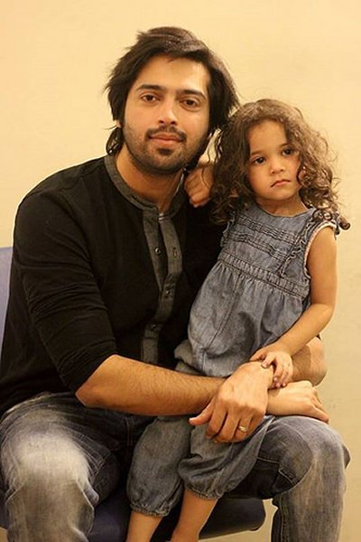 Top 5 Handsome Fathers in Pakistani Showbiz001