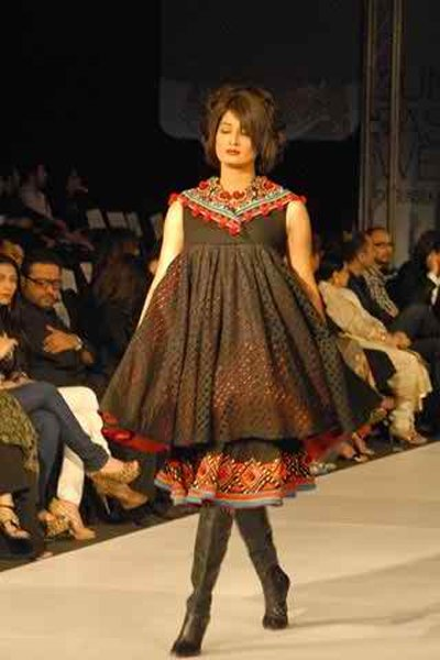 Pakistani Female Models And Their Heights 007