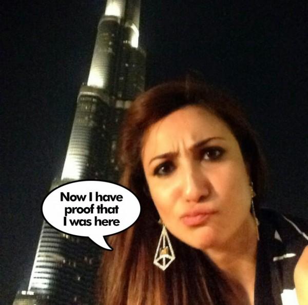anoushey abbasi selfie with burj khalifa