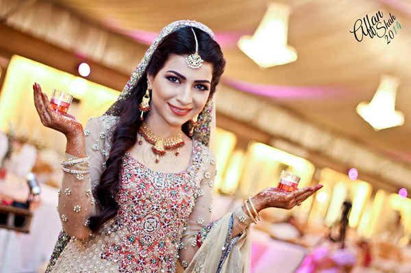 Which Pakistani Celebrity Looks Beautiful On Her Walima003