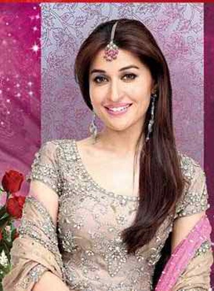 Which Pakistani Female Celebrities Are Trouble Makers001