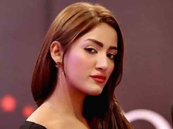 Which Pakistani Female Celebrities Are Trouble Makers006