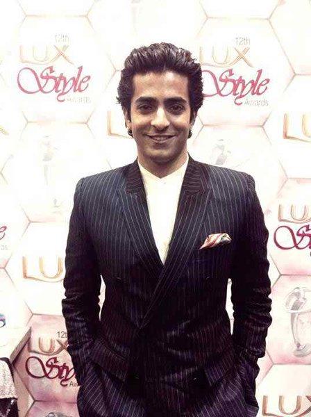 Top 5 Handsome Datable Actors In Pakistani Showbiz Industry005