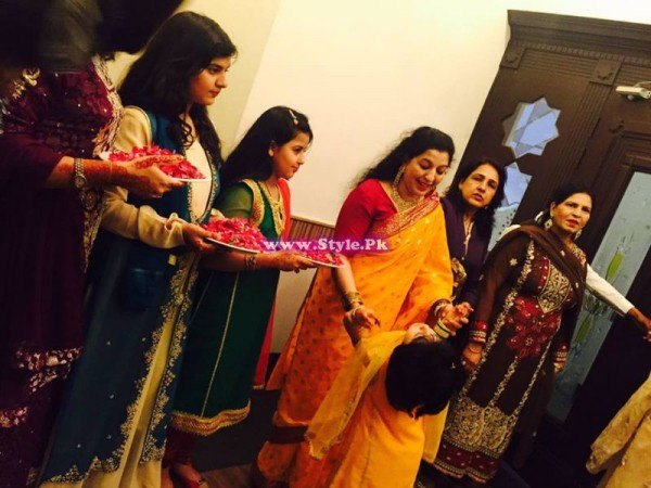 Mehndi Ceremony of Anchor Mukarram Kaleem on Channel 42 5