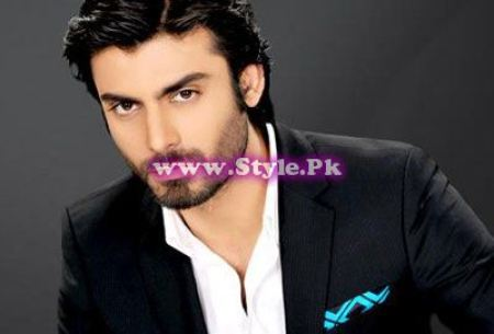 See Pakistani Celebrities who worked in Bollywood