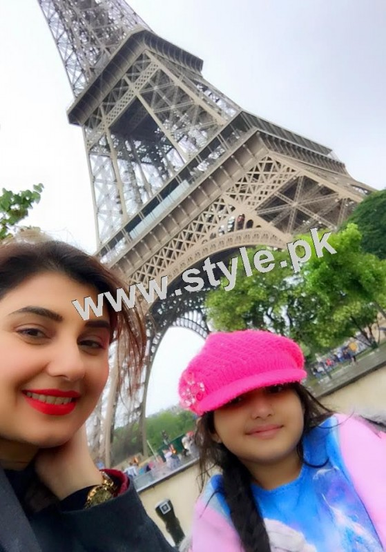 Pictures of Javeria and Saud with Family in Paris 15