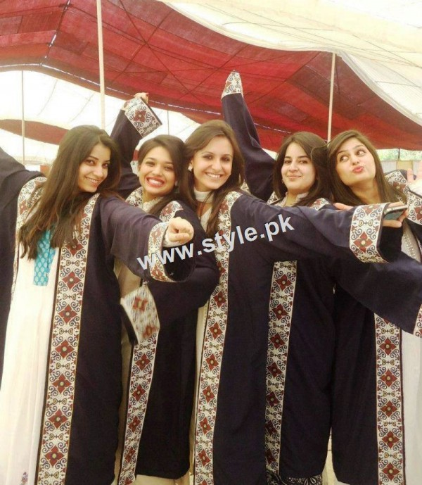 Pictures of Pakistani Celebrities during study days 8
