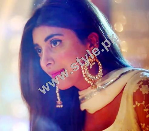 Real life couple Farhan Saeed and Urwa Hocane going to Romance on Screen 4
