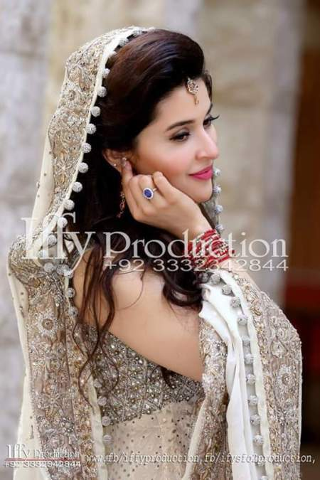 See Shaista Lodhi complete wedding photoshoot