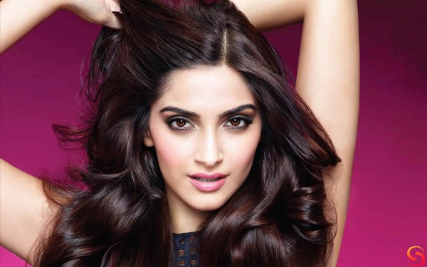 Which Bollywood Celebrities Are Single And Enjoying Bachelor Life008