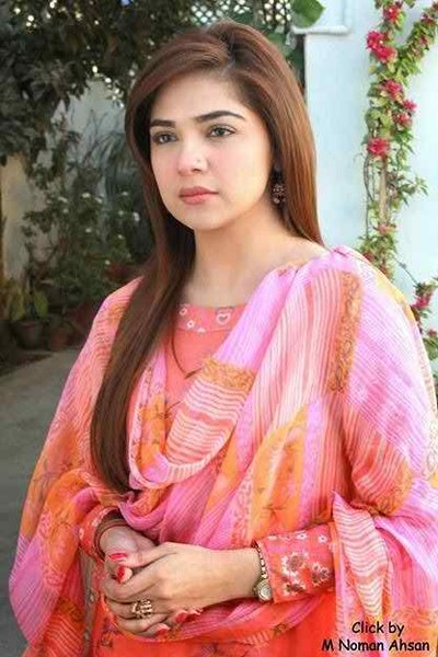 Which Pakistani Actresses Are Above 30 And Not Married Yet