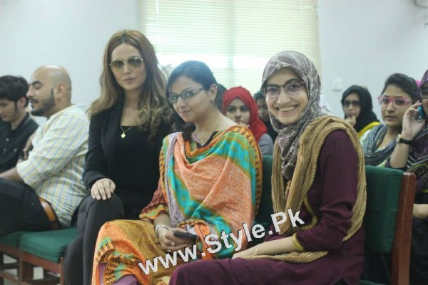 Ayyan Ali visited University of Karachi as guest of Honour (2)