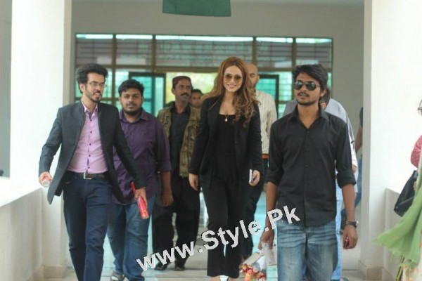 Ayyan Ali visited University of Karachi as guest of Honour (6)