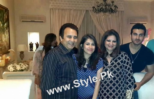 See Family Pictures of Senior Pakistani Celebrities