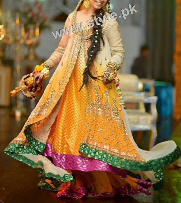 Mehndi outfits 2015 to wear on your big day (9)