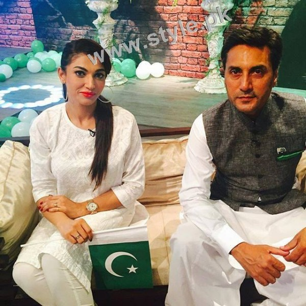 Pakistani Celebrities on Independence Day 2015 (18)
