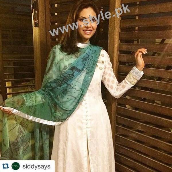 Pakistani Celebrities on Independence Day 2015 (24)